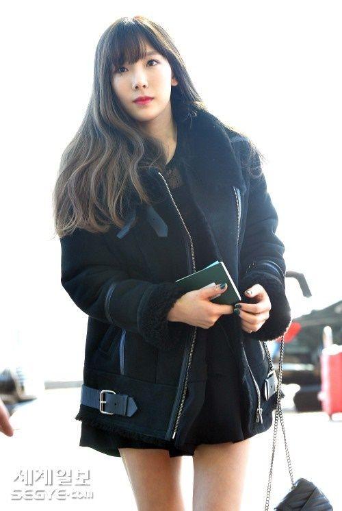 Taeyeon, Kim Yoo Jung đẹp tựa thiên thần tại sân bay đi dự MAMA 2016 - Ảnh 3