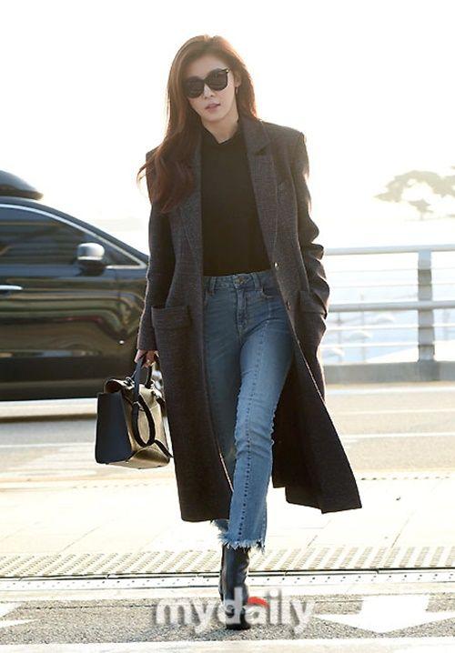 Taeyeon, Kim Yoo Jung đẹp tựa thiên thần tại sân bay đi dự MAMA 2016 - Ảnh 4