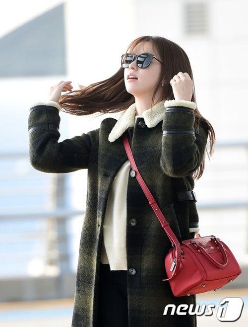 Taeyeon, Kim Yoo Jung đẹp tựa thiên thần tại sân bay đi dự MAMA 2016 - Ảnh 8