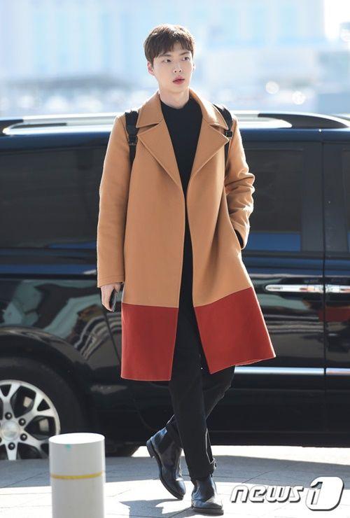 Taeyeon, Kim Yoo Jung đẹp tựa thiên thần tại sân bay đi dự MAMA 2016 - Ảnh 12
