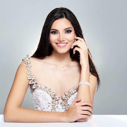 Nhan sắc rạng rỡ của người đẹp 19 tuổi đăng quang Hoa hậu Thế giới 2016 - Ảnh 8