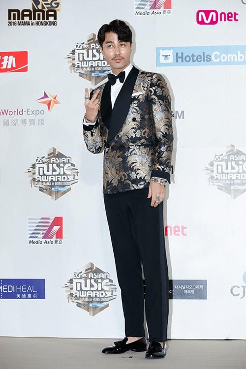 Dàn mỹ nam mỹ nữ xứ Hàn tỏa sáng trên thảm đỏ MAMA 2016 - Ảnh 17