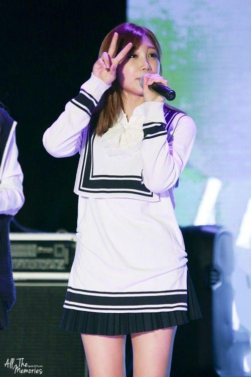 """Idol Kpop đang """"mê mệt"""" với xu hướng thời trang cực dễ thương này - Ảnh 3"""