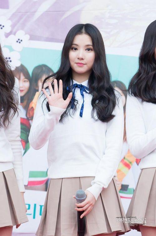 """Idol Kpop đang """"mê mệt"""" với xu hướng thời trang cực dễ thương này - Ảnh 5"""