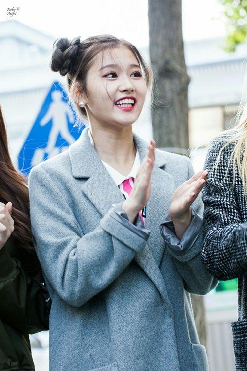 Loạt ảnh cho thấy Sana (TWICE) là idol có thời trang mùa đông chuẩn nhất Kpop - Ảnh 11