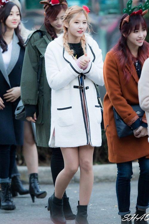 Loạt ảnh cho thấy Sana (TWICE) là idol có thời trang mùa đông chuẩn nhất Kpop - Ảnh 9