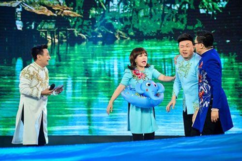 """Làng hài mở hội: Việt Hương, Chí Tài, Đại Nghĩa """"nội chiến"""" giành ghế nóng - Ảnh 3"""