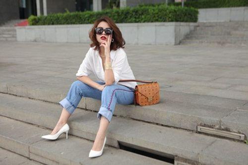 Hoàng Thùy Linh phá cách với tóc ngắn và phong cách tối giản - Ảnh 1