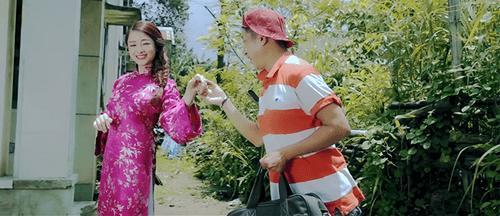 """Bảo Chung """"thả thính"""" với hình ảnh trang phục tả tơi - Ảnh 2"""