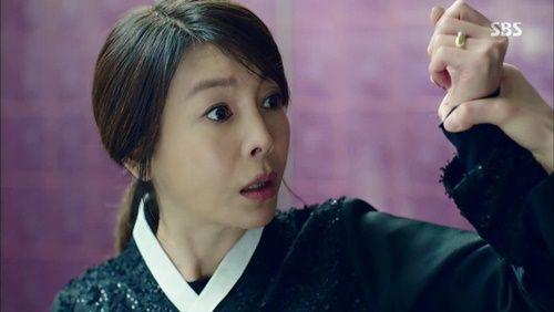 Huyền thoại biển xanh tập 18: Jun Ji Hyun đỡ đạn thay Lee Min Ho - Ảnh 5