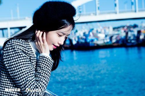 Không thể tin được Yoona đã 27 tuổi sau loạt ảnh này - Ảnh 9