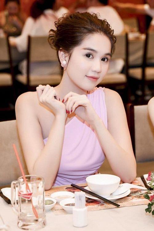 Con người thật của Ngọc Trinh - Khắc Tiệp qua lời kể Hoa hậu Việt Nam Thế giới - Ảnh 3