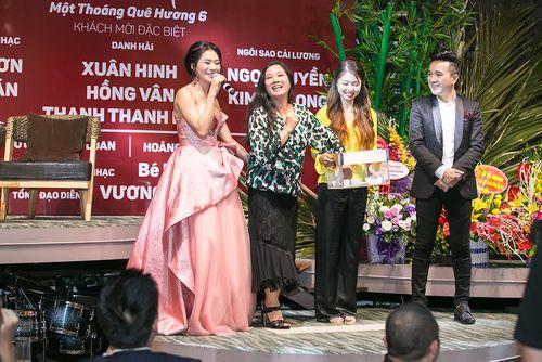 """Dương Ngọc Thái tri ân khán giả thủ đô khi tổ chức liveshow """"Một thoáng quê hương 6"""" - Ảnh 7"""