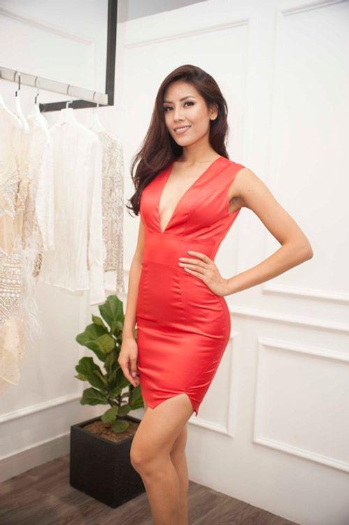 """Phản ứng của Nguyễn Thị Loan khi bị chê thời trang """"sến súa"""" tại Miss Universe - Ảnh 5"""