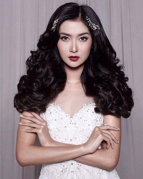 Nhan sắc đời thường xinh đẹp khó rời mắt của tân Hoa hậu Quốc tế - Ảnh 9