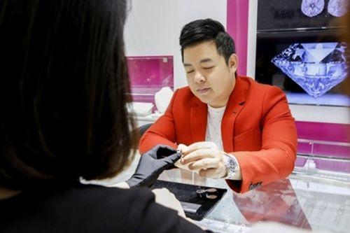 Phải bán nhẫn kim cương 2 tỷ lấy tiền làm liveshow, Quang Lê nói gì? - Ảnh 1