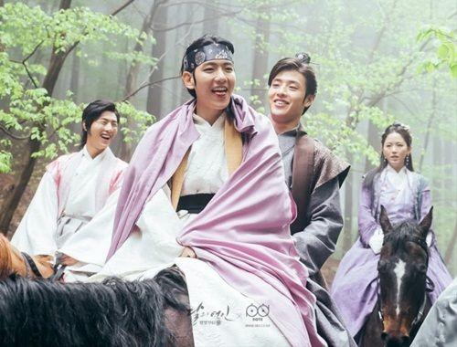 Xao xuyến với tạo hình cổ trang của mỹ nam mỹ nữ xứ Hàn - Ảnh 36