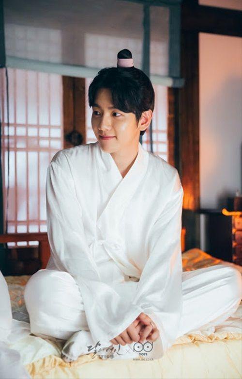 Xao xuyến với tạo hình cổ trang của mỹ nam mỹ nữ xứ Hàn - Ảnh 37