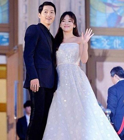 Choáng với thù lao quảng cáo cao chót vót của Song Hye Kyo - Song Joong Ki - Ảnh 1