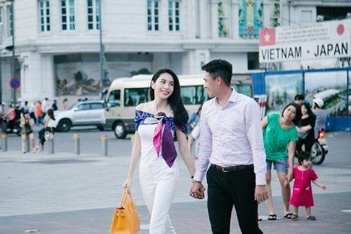 Công Vinh - Thủy Tiên ngọt ngào tình cảm trên sóng truyền hình thế giới - Ảnh 5