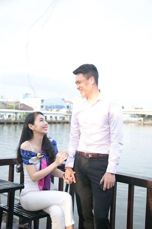 Công Vinh - Thủy Tiên ngọt ngào tình cảm trên sóng truyền hình thế giới - Ảnh 4