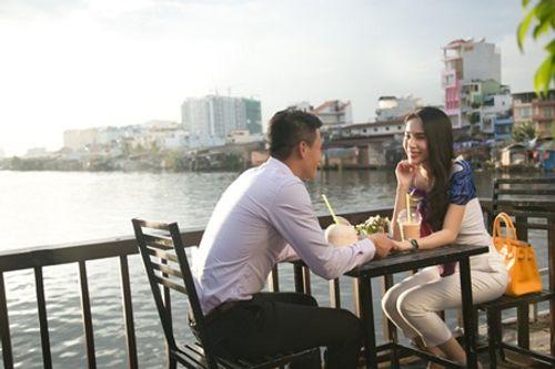 Công Vinh - Thủy Tiên ngọt ngào tình cảm trên sóng truyền hình thế giới - Ảnh 6