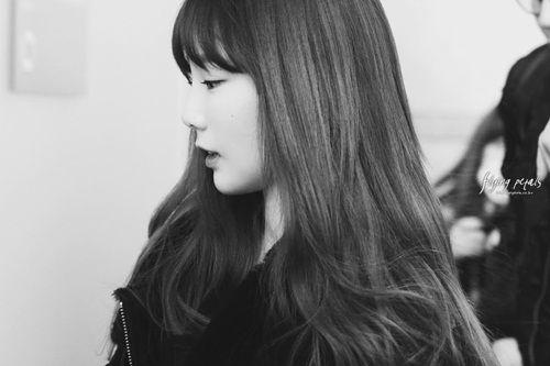 """Tim lỡ nhịp vì những khoảnh khắc """"không thể yêu hơn"""" của nữ idol Kpop - Ảnh 1"""