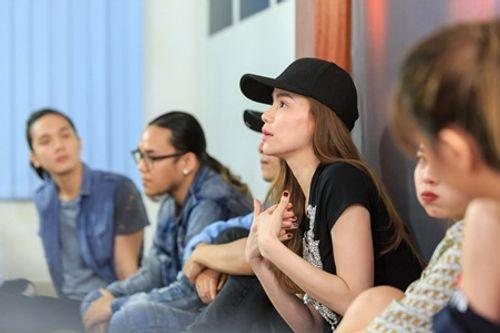 Hồ Ngọc Hà trở lại ghế giám khảo sau ồn ào scandal - Ảnh 1