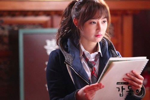 Đây là Kim Ji Won, và cô ấy đã không còn chỉ đóng vai phụ nữa! - Ảnh 9