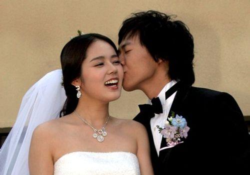 Tan chảy với những màn cầu hôn ngọt ngào hơn cả trên phim của sao Hàn - Ảnh 2