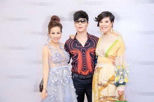 Nathan Lee tái ngộ siêu mẫu Vũ Cẩm Nhung, hoa hậu Đàm Ly Ly - Ảnh 2
