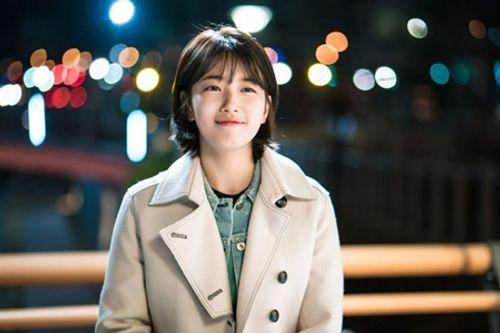 """Suzy khoe vẻ thanh tân trong drama """"siêu hot"""" cùng Lee Jong Suk - Ảnh 4"""