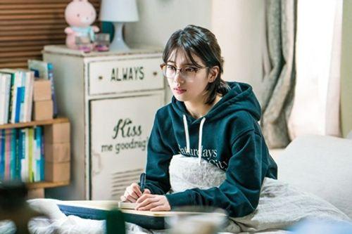 """Suzy khoe vẻ thanh tân trong drama """"siêu hot"""" cùng Lee Jong Suk - Ảnh 7"""