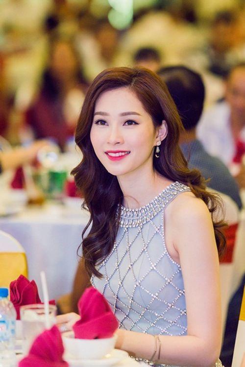 Hành trình tình yêu lãng mạn của hoa hậu Đặng Thu Thảo và vị hôn phu - Ảnh 2