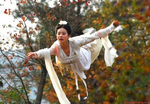 """Lưu Thi Thi: """"Ngọc nữ"""" tài sắc vẹn toàn và cuộc sống viên mãn khiến bao người ghen tỵ - Ảnh 4"""