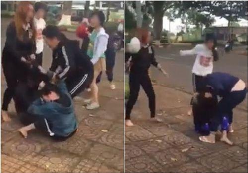 Nữ sinh đánh nhau bằng mũ bảo hiểm: Nhà trường nói gì? - Ảnh 1