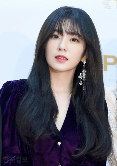 """Thảm đỏ """"Grammy xứ Hàn"""" ngày thứ nhất: Red Velvet đẹp tựa nữ thần! - Ảnh 5"""