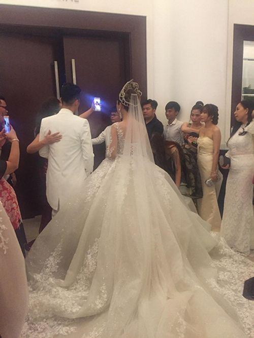 """Dàn sao """"khủng"""" và những hình ảnh ấn tượng nhất tại đám cưới Lâm Khánh Chi - Ảnh 12"""