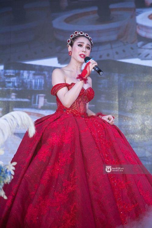 """Dàn sao """"khủng"""" và những hình ảnh ấn tượng nhất tại đám cưới Lâm Khánh Chi - Ảnh 15"""