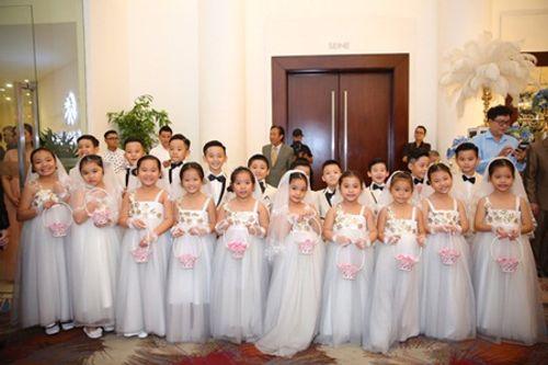 """Dàn sao """"khủng"""" và những hình ảnh ấn tượng nhất tại đám cưới Lâm Khánh Chi - Ảnh 8"""