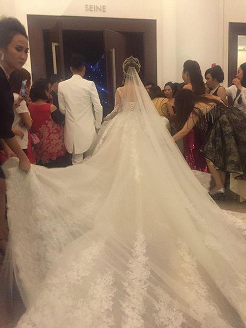 """Dàn sao """"khủng"""" và những hình ảnh ấn tượng nhất tại đám cưới Lâm Khánh Chi - Ảnh 11"""