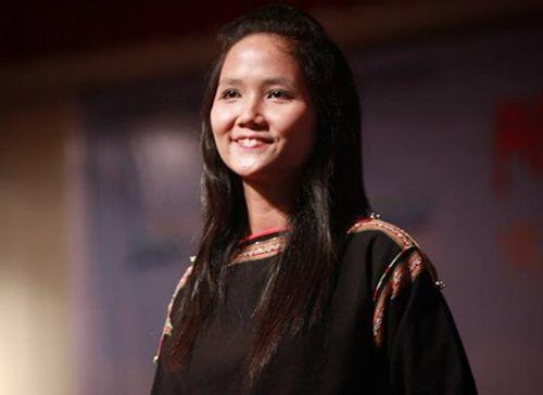 Nhan sắc khác biệt của hoa hậu H'Hen Niê năm 19 tuổi - Ảnh 1