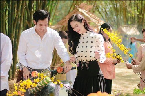 """Hà Thu """"cặp kè"""" Thanh Thức, thực hiện lời hứa ra MV Bolero dịp Tết 2018 - Ảnh 2"""