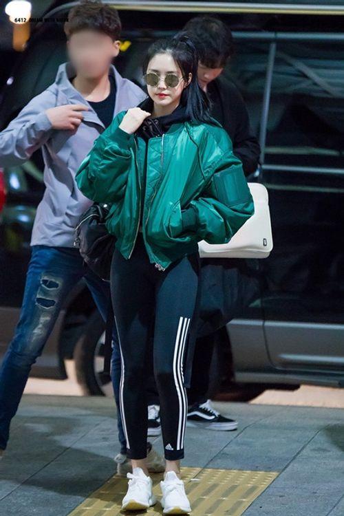 """Ngắm nhìn thân hình chuẩn mực của """"nữ hoàng quần legging"""" Naeun - Ảnh 8"""