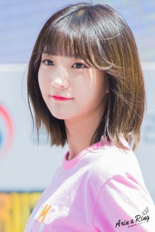 """Vòng eo quá nhỏ luôn phải """"buộc quần túm áo"""" của nữ idol Kpop - Ảnh 1"""