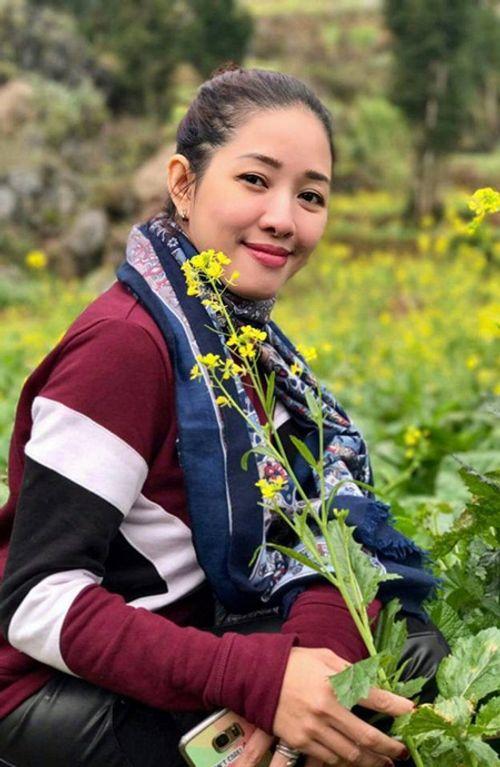 Trường Giang cầu hôn Nhã Phương tại giải Mai Vàng: Đạo diễn bức xúc chỉ trích - Ảnh 1