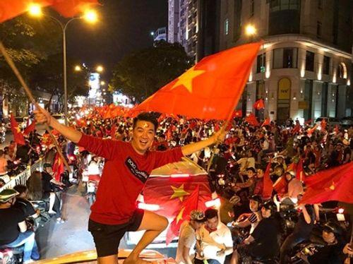 U23 Việt Nam đá chung kết VCK U23 châu Á: Loạt sao Việt quyết hủy show cổ vũ - Ảnh 3