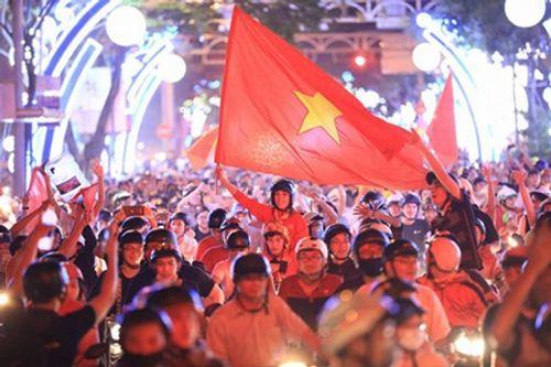 U23 Việt Nam đá chung kết: Hà Nội, TP.HCM lắp hàng chục màn hình lớn xem bóng đá - Ảnh 3
