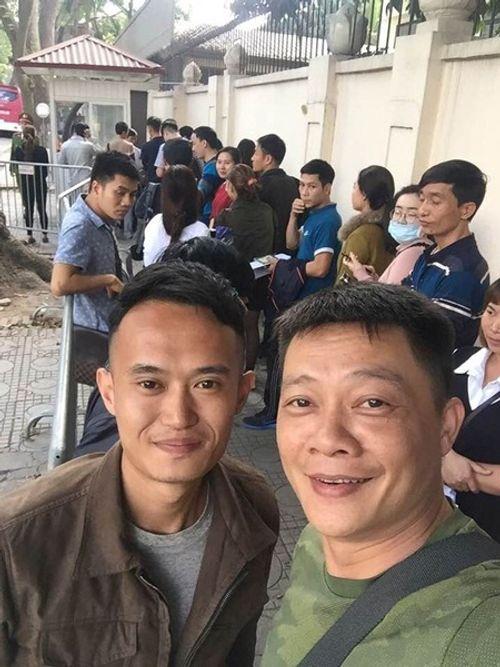 Sao Việt sang Trung Quốc cổ vũ U23 Việt Nam - Ảnh 3