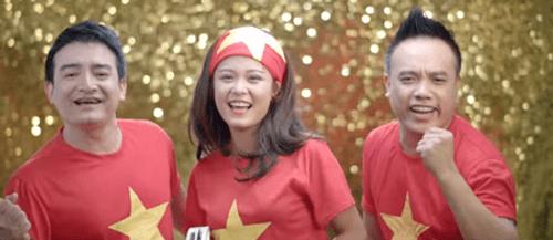 Clip: Chính thức ra mắt MV cổ vũ U23 Việt Nam của danh thủ Hồng Sơn và dàn sao Việt - Ảnh 1